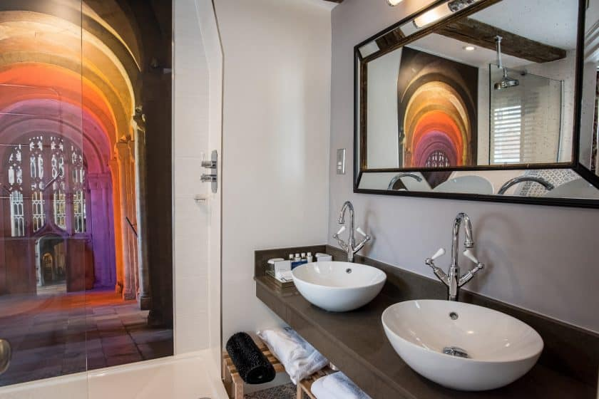 Cathedral Suite Bathroom