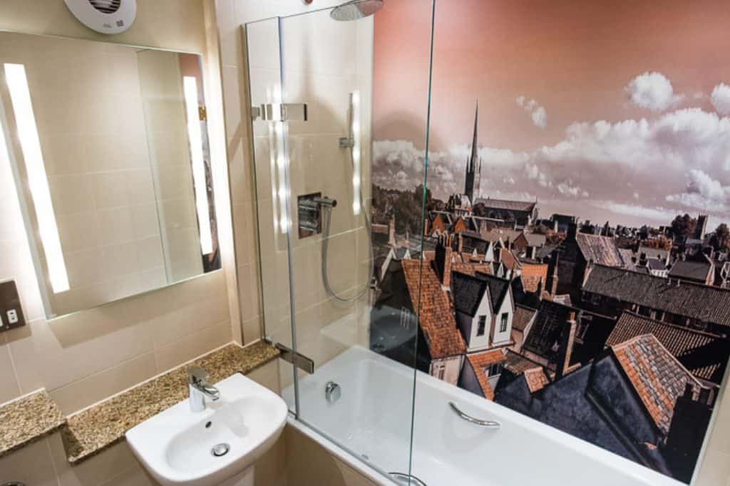 Image of a bathroom at Maids Head Hotel