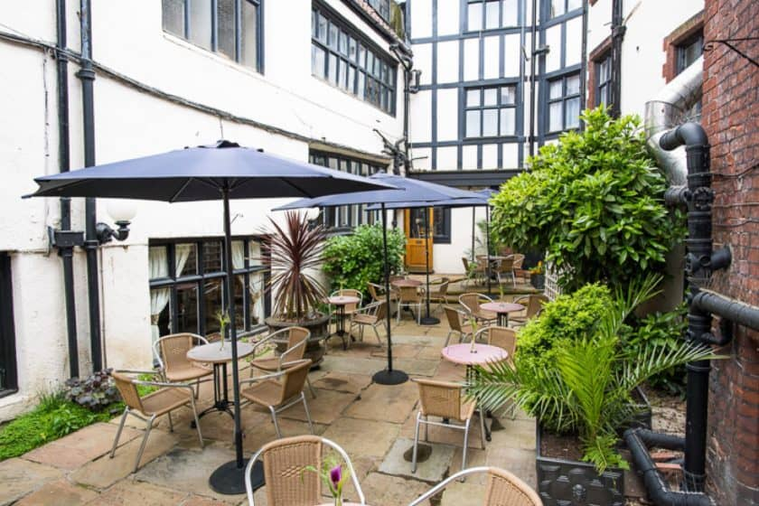 Maids Head Hotel Historic Courtyard