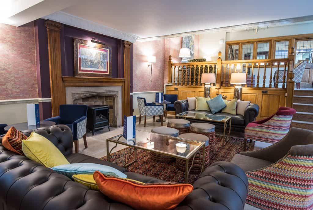 The Lounge at Maids Head Hotel
