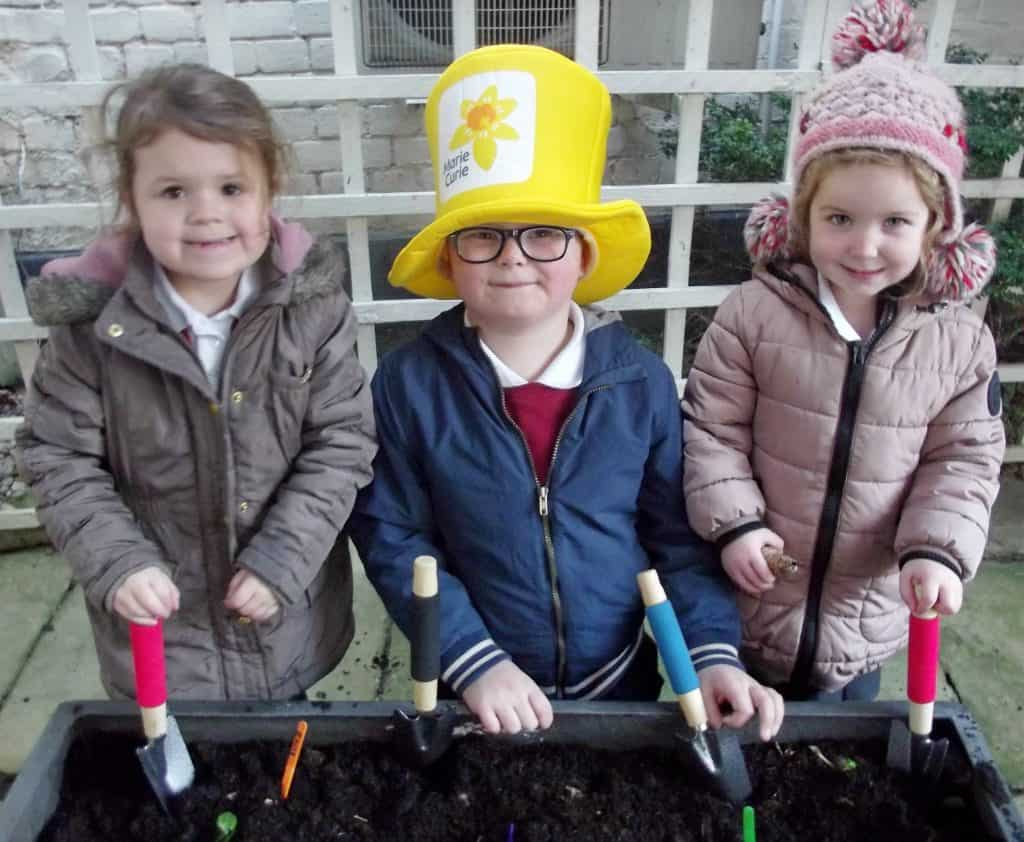 Cecil Gowing Infant School – Marie Curie Daffodil Bulb Planting