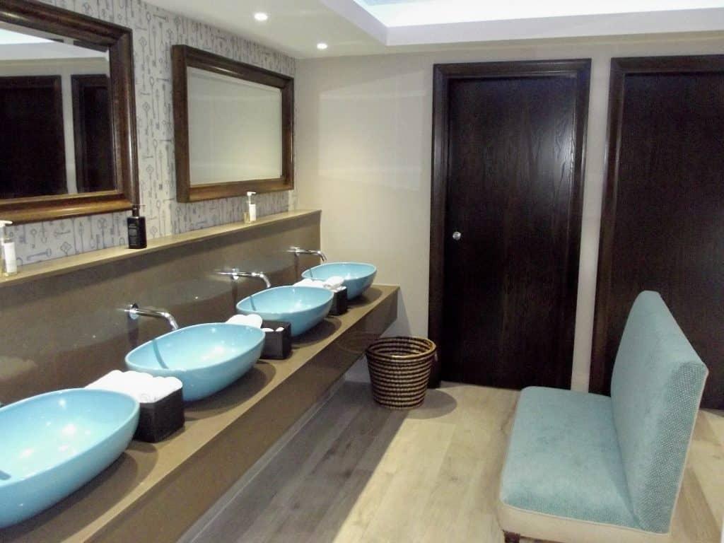 Refurbished Ground Floor Gents Maids hotel