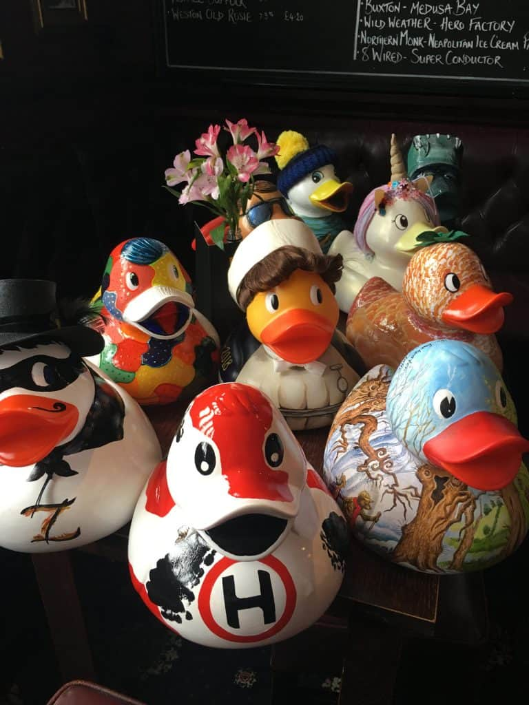 The painted ducks auction