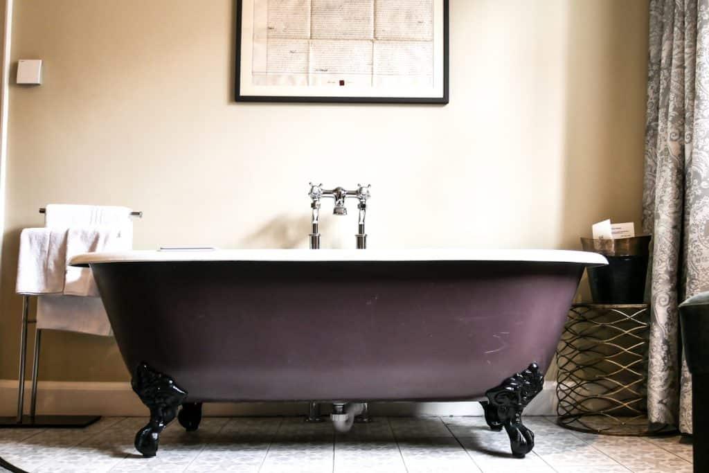 Waveney Junior Suite - Bath