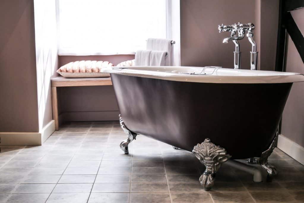 Wensum Junior Suite Bath