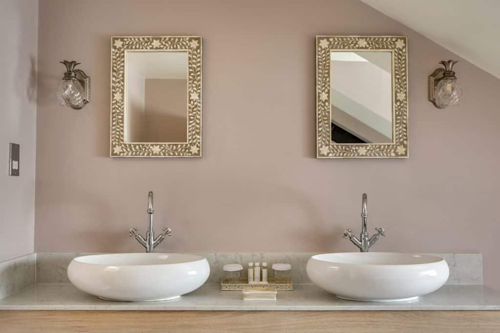 Wensum Junior Suite double basins